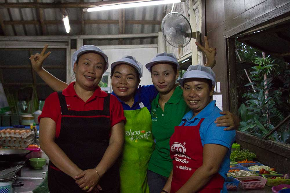 Khao Sok Resort kitchen staff