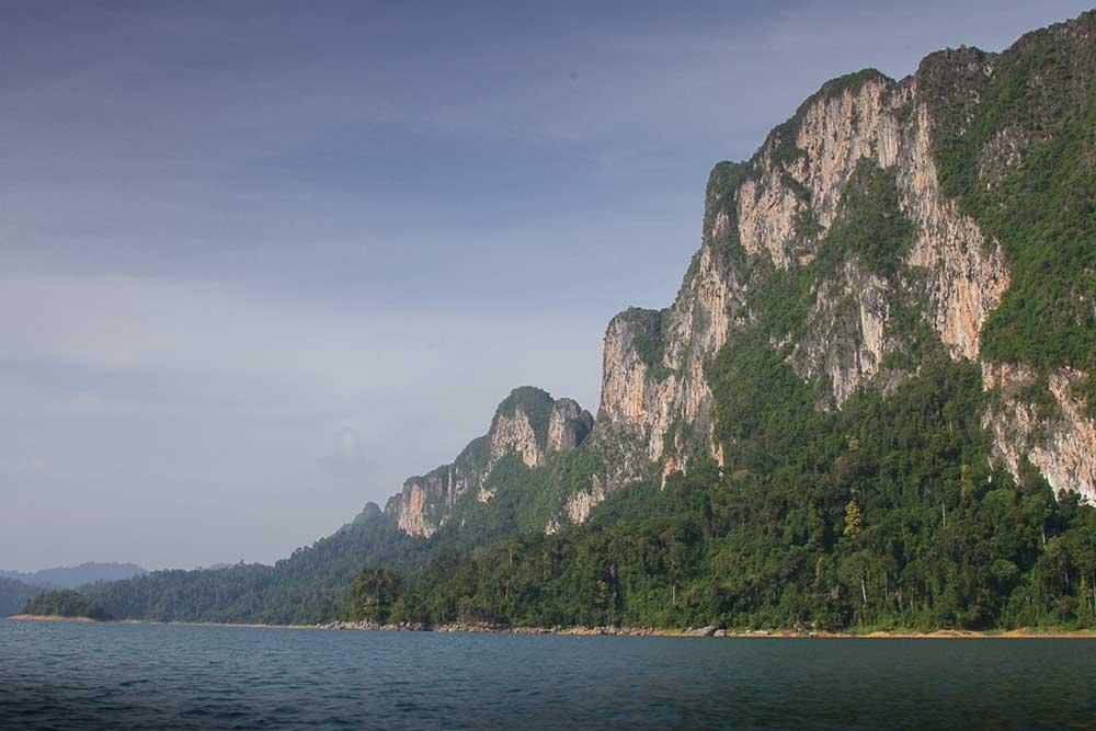 Khao Sok river raft and lake package