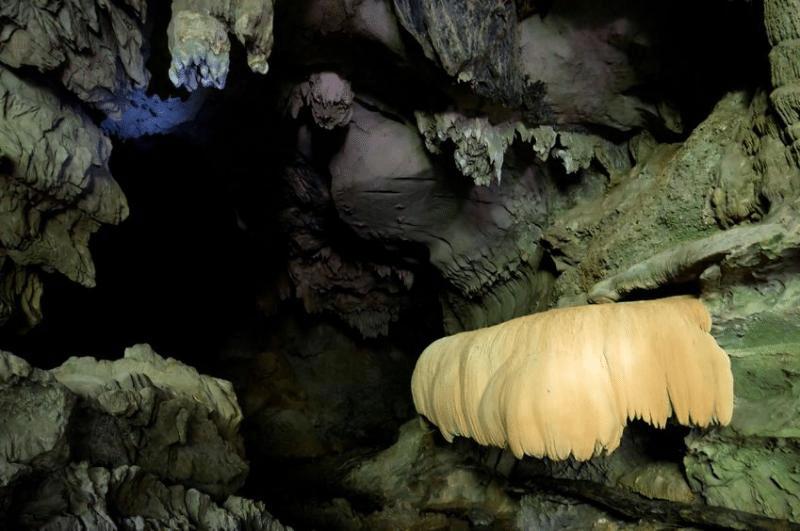 Khao Sok National Park Top Hikes- Pra Kay Petch Cave (diamond cave)