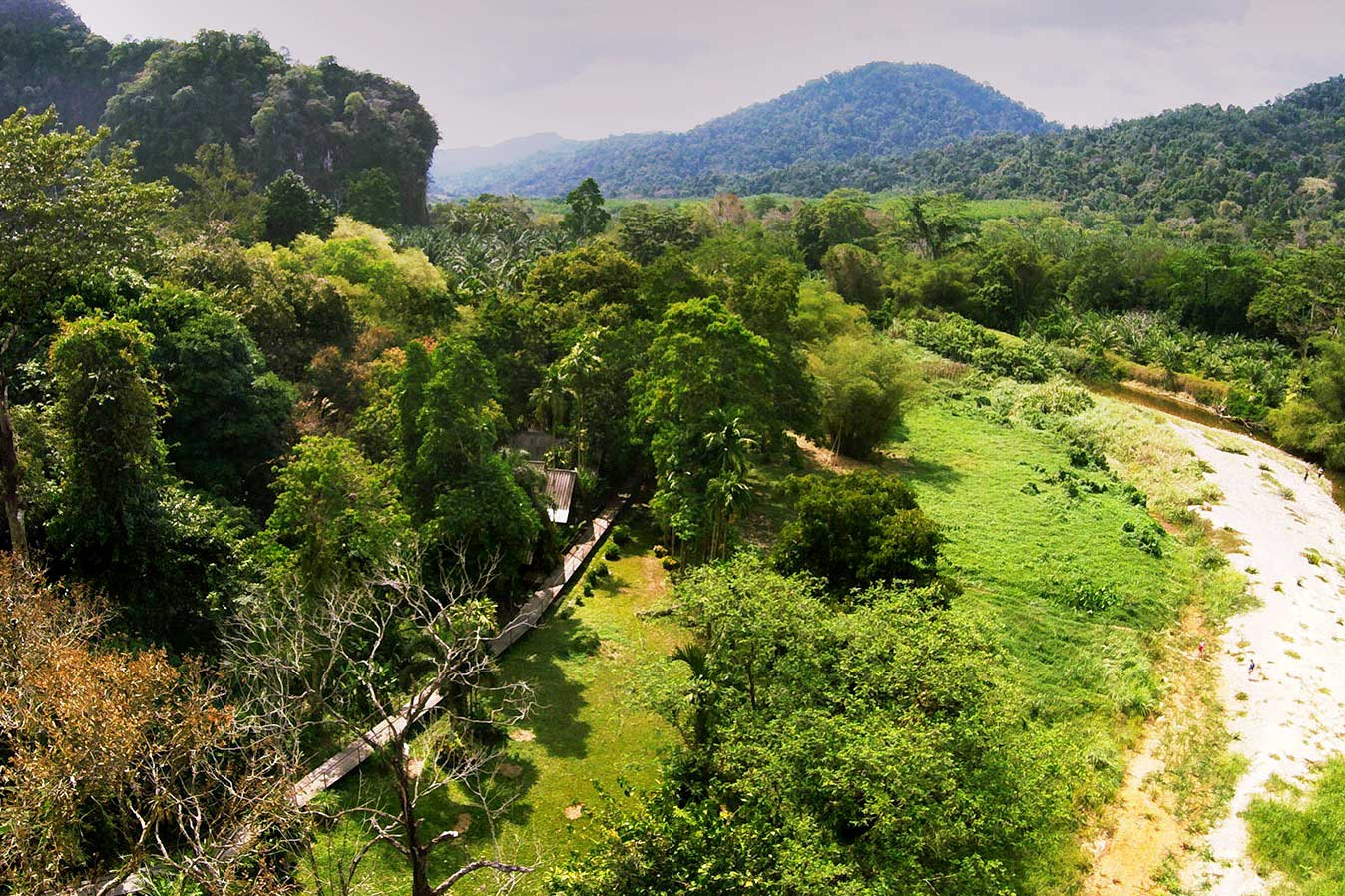 Khao Sok riverside resort